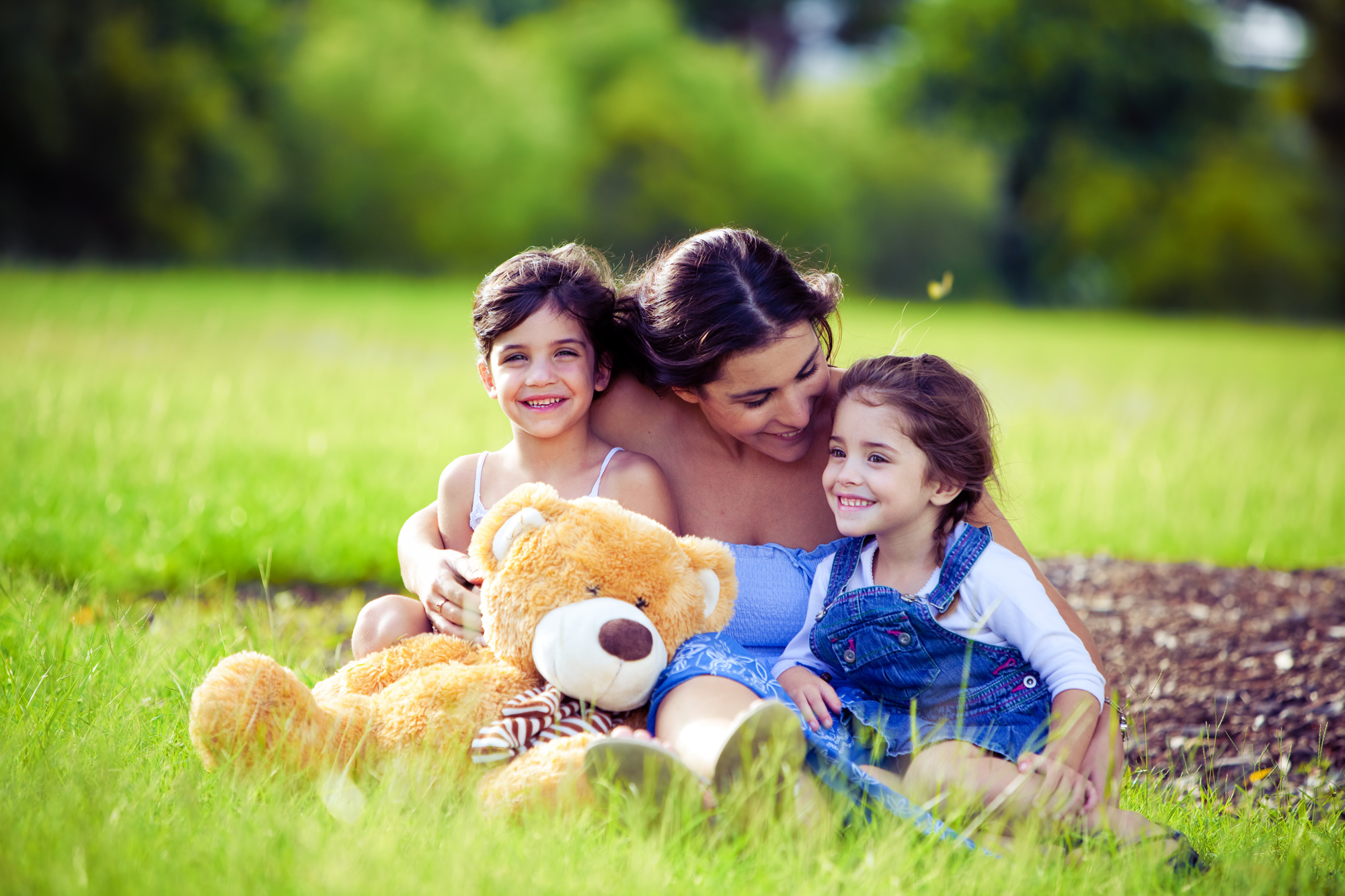 mother-playing-with-2-kids